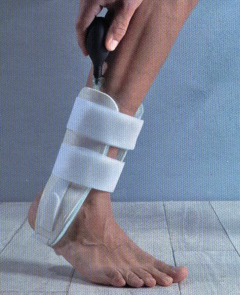 Tutore bivalve per caviglia pneumatico