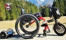 Triride trasforma una carrozzina in uno scooter elettrico